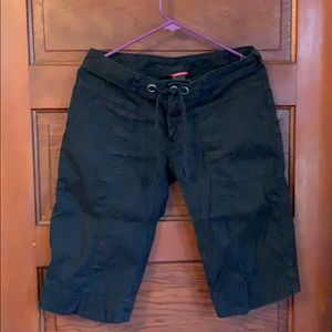 The North Face Bermuda shorts size 6